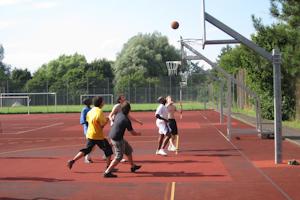 баскетбол в Carl Duisberg Centren